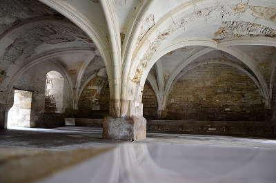 Abbaye notre dame de quincy salle capitulaire routes touristiques dans l yonne guide du tourisme en bourgogne