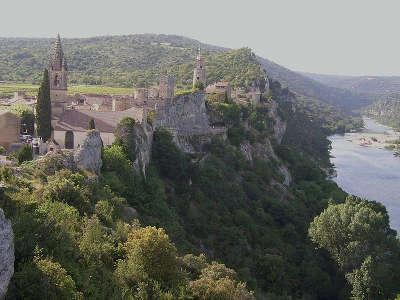 Aigueze route des vins de pont esprit a saint victor guide du tourisme du vaucluse