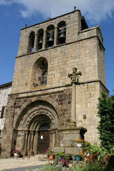 Arlempdes l eglise saint pierre plus beaux villages de france routes touristiques de haute loire guide touristique auvergne