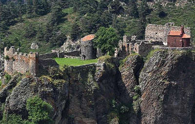 Arlempdes le chateaux plus beaux villages de france les routes touristiques de haute loire guide touristique auvergne