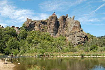 Arlempdes le chateaux plus beaux villages de france routes touristiques de haute loire guide touristique auvergne