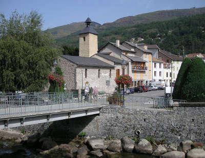Ax les thermes route des cols des pyrenees guide touristique de l ariege