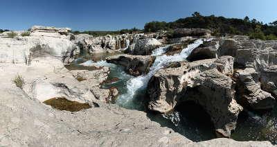 Bagnols sur ceze les cascades sautadet route des vins de pont esprit a saint victor guide du tourisme du gard