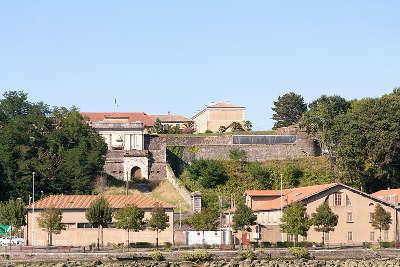 Bayonne la citadelle routes touristiques des pyrenees atlantiques guide du tourisme nouvelle aquitaine
