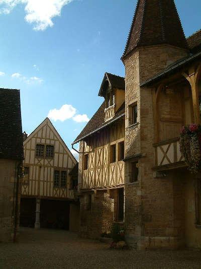 Beaune musee du vin de beaune route touristique en cote d or guide du tourisme en bourgogne