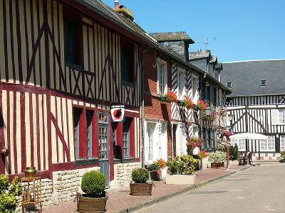 Beuvron en auge maison plus beaux villages de frances routes touristiques du calvados guide du tourisme normandie