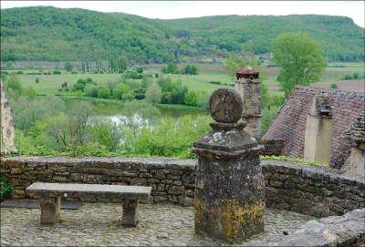 Beynac et cazenac stelle routes touristiques de la dordogne guide du tourisme de nouvelle aquitaine