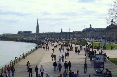 Bordeaux les quais routes touristiques en gironde guide du tourisme nouvelle aquitaine