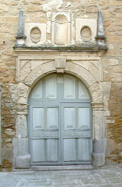 Bouchet porte de l abbatiale route des vins de la la drome provencale guide du tourisme de la drome