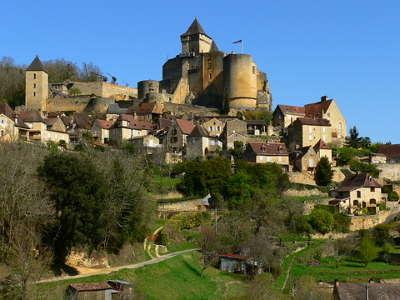 Castelnaud la chapelle et le chateau de castelnaud route touristique en dordogne guide du tourisme de la nouvelle aquitaine