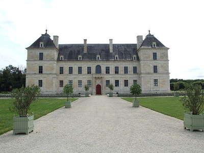 Chateau d ancy le franc route historique des ducs de bourgogne