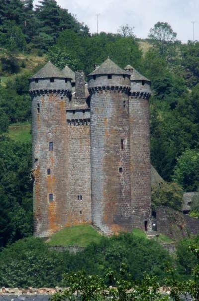Chateau d anjony route historique des chateau d auvergne
