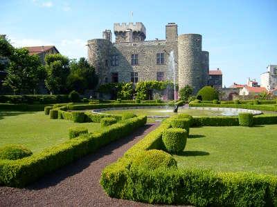 Chateau d opme route historique des chateau d auvergne guide du tourisme du haute loire