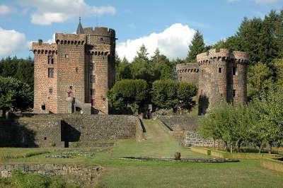 Chateau dauphin route historique des chateau d auvergne guide du tourisme du haute loire