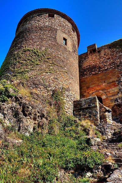 Chateau de busseol route historique des chateau d auvergne guide du tourisme du haute loire