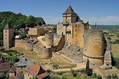 Chateau de castelnaud routes touristiques de dordogne guide du tourisme en nouvelle aquitaine