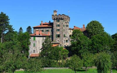 Chateau de chavaniac route historique des chateau d auvergne guide du tourisme du haute loire