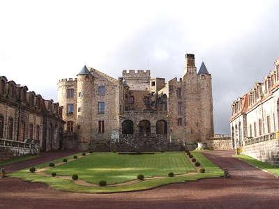 Chateau de chazeron route historique des chateau d auvergne guide du tourisme du haute loire