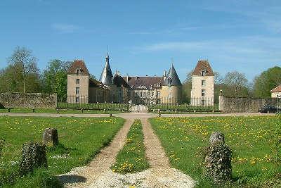 Chateau de commarin route historique des ducs de bourgogne