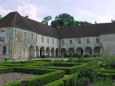 Chateau de corneux route des monts et merveilles de franche comte