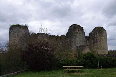 Chateau de gencay route des abbayes et monuments du haut poitou guide du tourisme de la vienne