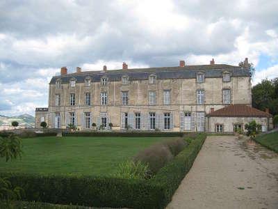 Chateau de hauterive route historique des chateau d auvergne guide du tourisme du haute loire