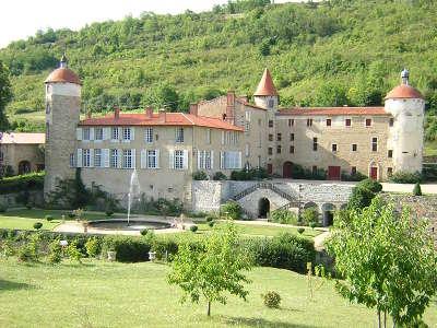 Chateau de la batisse route historique des chateau d auvergne guide du tourisme du haute loire