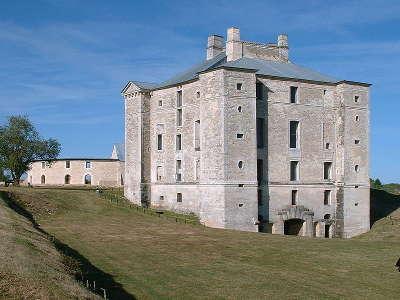 Chateau de maulnes route historique des ducs de bourgogne