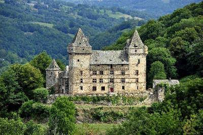 Chateau de messilhac route historique des chateau d auvergne guide du tourisme du cantal