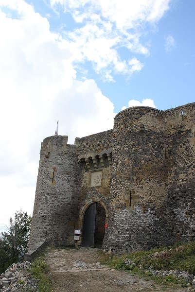 Chateau de montmorin route historique des chateau d auvergne guide du tourisme du haute loire