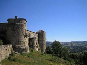 Chateau de ravel route historique des chateau d auvergne