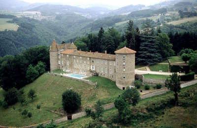 Chateau de vollore route historique des chateau d auvergne guide du tourisme du haute loire