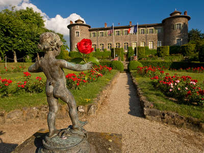 Chateaux et jardin de chavaniac lafayette route historique des chateau d auvergne guide du tourisme du haute loire