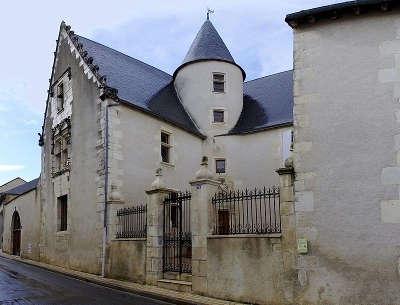 Civray l hotel louis xiii route des abbayes et monuments du haut poitou guide du tourisme de la vienne