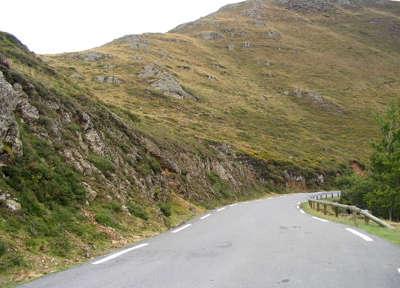 Col de burdinkurutxeta route des cols des pyrenees guide du tourisme des pyrenees atlantiques aquitaine