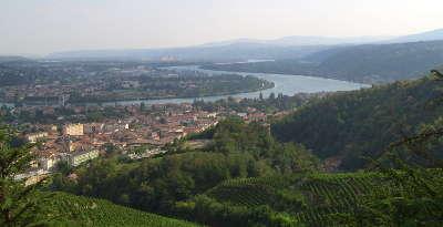 Condrieu les vignobles septentrionaux route des vins des cotes du rhone
