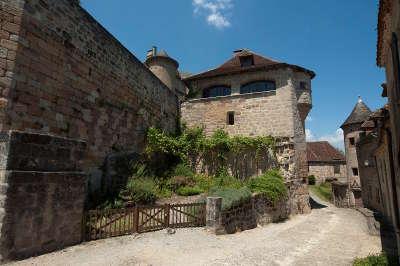 Curemonte les plus beaux villages de france route du riant portail du midi a la riviera guide du tourisme en correze limousin