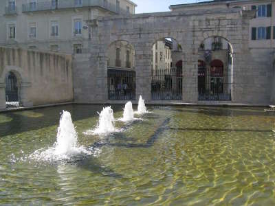 Dax la fontaine chaude routes touristiques des landes guide du tourisme nouvelle aquitaine