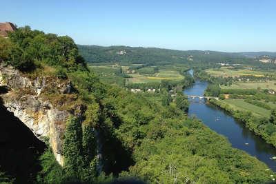 Domme panorama sur la vallee de la dordogne les routes touristiques de dordogne guide touristique de nouvelle aquitaine