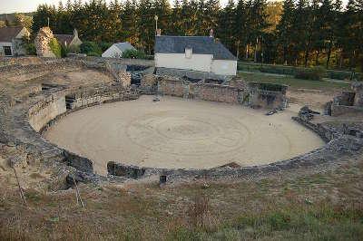 Drevant amphitheatre gallo romain route jacques c ur guide du tourisme du centre val de loire
