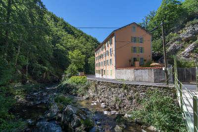 Escouloubre les bains route des cols des pyrenees guide touristique de l aude
