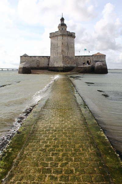 Fort louvois route des tresors de saintonge guide du tourisme de la charente maritime