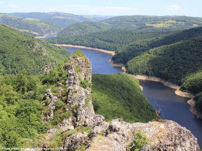 Gorges de la truyere route des monts du cantal routes touristiques du cantal guide touristique auvergne