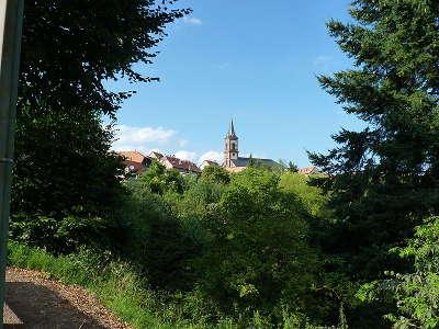 Grendelbruch vue sur l eglise et une partie du milieu du village route des vosges centrales guide du tourisme du bas rhin alsace