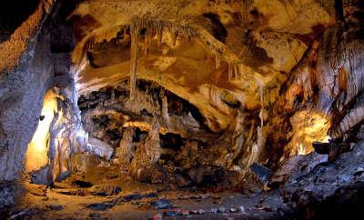 Grotte d isturitz routes touristiques des pyrenees atlantiques guide du tourisme nouvelle aquitaine