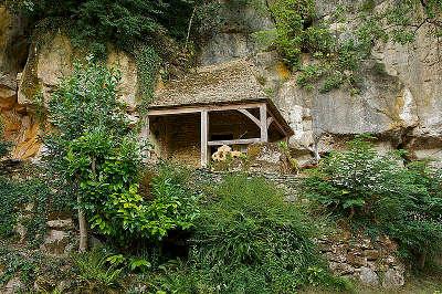 Grotte prehistorique du sorcier route touristique sur les pas du cro magnon guide du tourisme dordogne