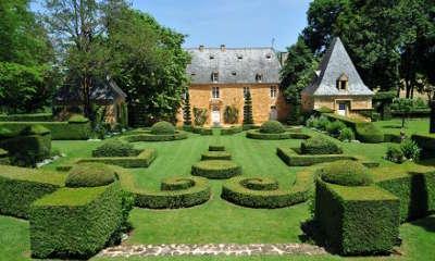 Jardin du chateau de la bourlie routes touristique de la dordogne guide touristique nouvelle aquitaine