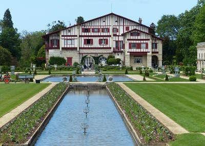 Jardins de la villa arnaga combo les bains jardin remarquable routes touristiques pyrenees atlantiques guide du tourisme nouvelle aquitaine