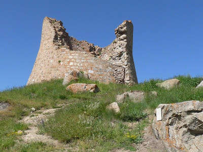 La llagonne la tour du capil route des cols des pyrenees guide touristique des pyrenees orientales
