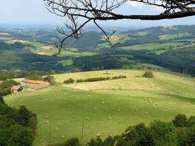 La montagne bourbonnaise depuis le rocher saint vincent routes touristiques de l allier guide touristique auvergne